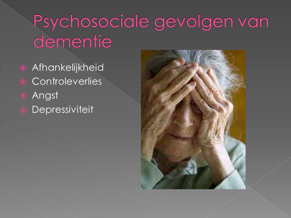 Klinisch psychologen bieden hulp aan informele en professionele zorgverleners, en aan demente mensen zelf.