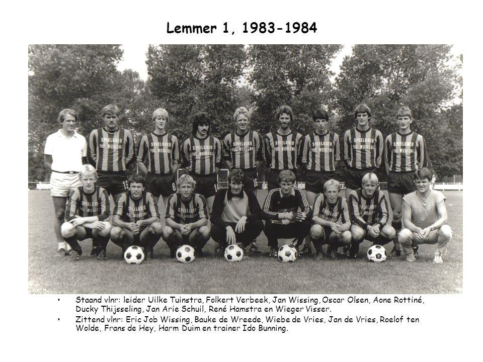 Lemmer 1, 1983-1984 Staand vlnr: leider Uilke Tuinstra, Folkert Verbeek, Jan Wissing, Oscar Olsen, Aone Rottiné, Ducky Thijsseling, Jan Arie Schuil, R
