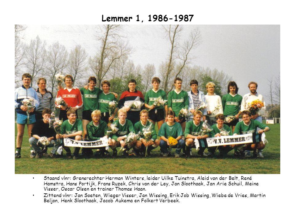 Lemmer 1, 1987-1988 Staand vlnr: Trainer Thomas Haan, Folkert Verbeek, Harrie Buitenga, René Hamstra, Wiebe de Vries, Oscar Olsen, Jan Arie Schuil, Hans Portijk, Wieger Visser en leider Uilke Tuinstra.