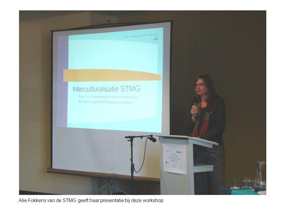 Alie Fokkens van de STMG geeft haar presentatie bij deze workshop