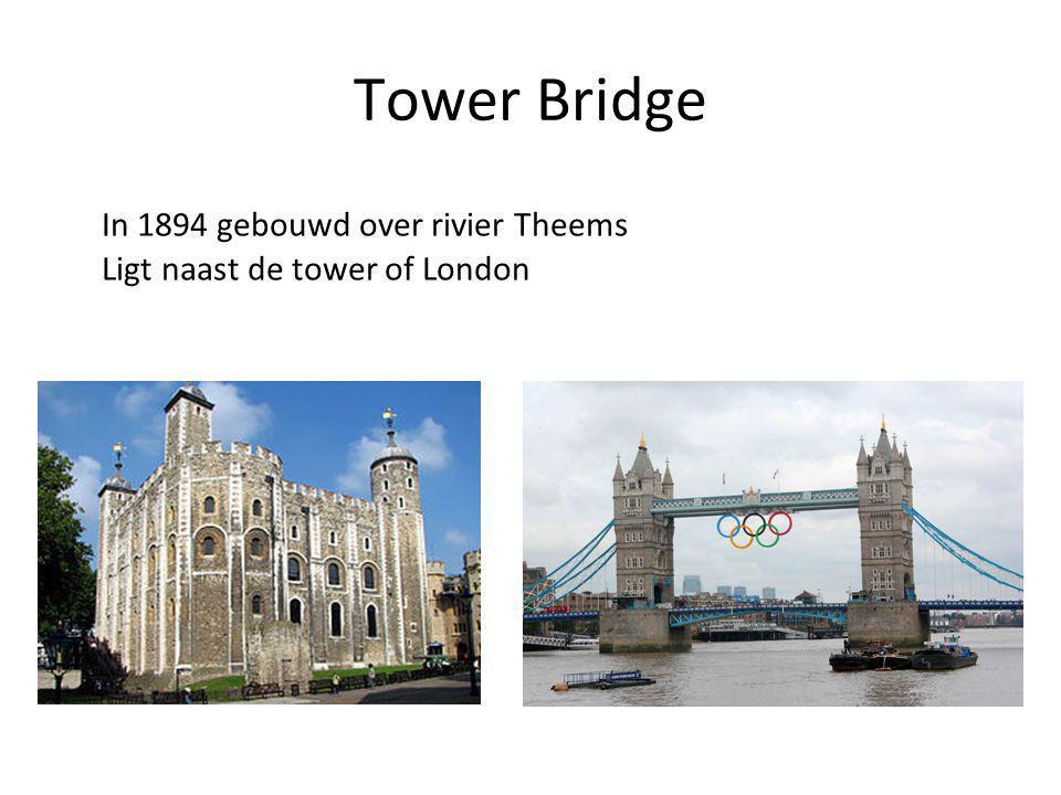 Tower Bridge In 1894 gebouwd over rivier Theems Ligt naast de tower of London