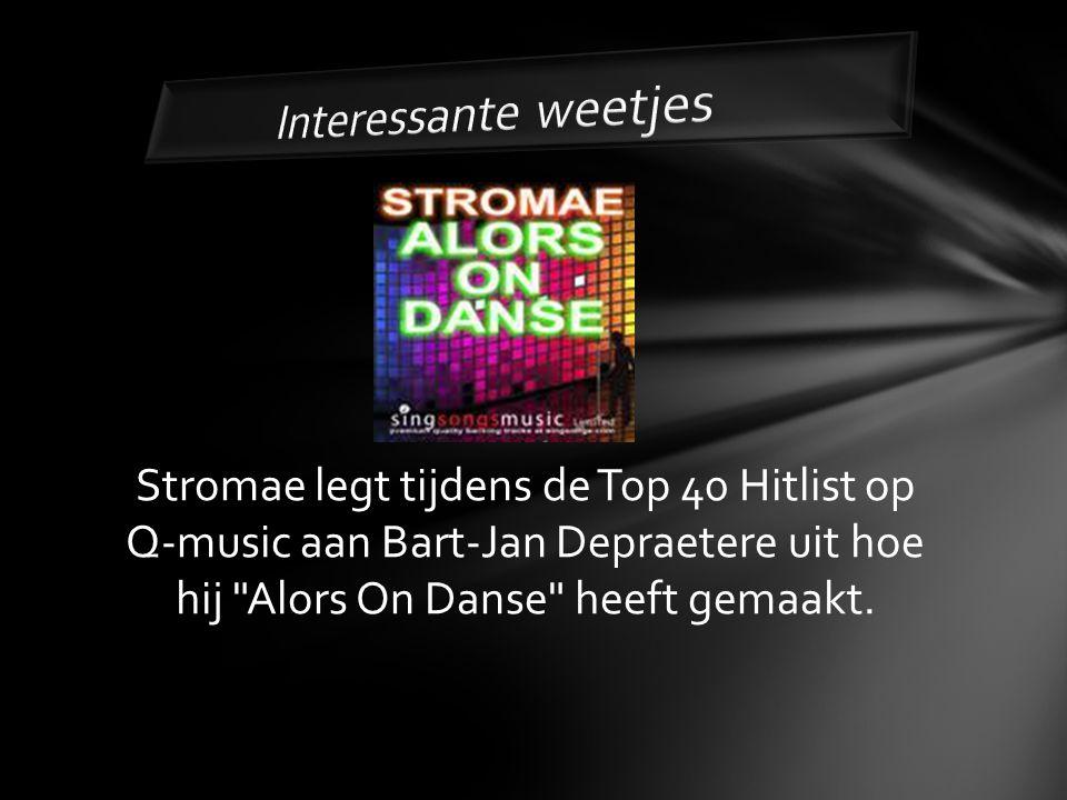 Stromae legt tijdens de Top 40 Hitlist op Q-music aan Bart-Jan Depraetere uit hoe hij