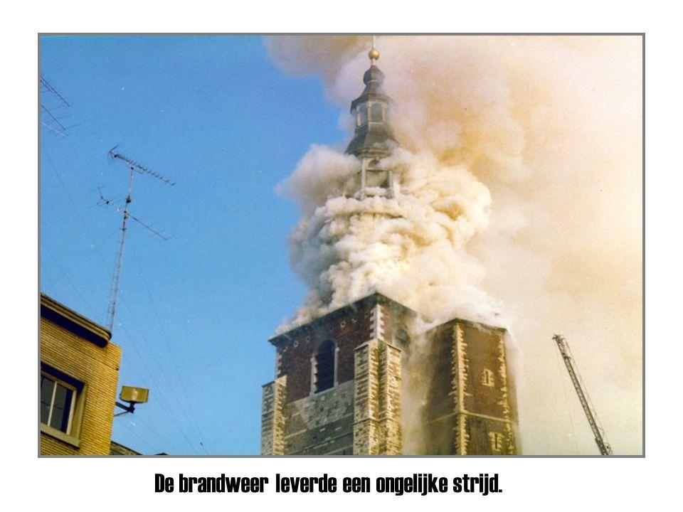 Het vuur had de toren bereikt.