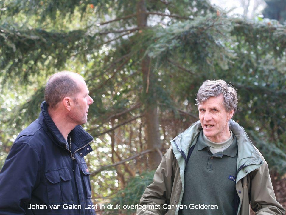 Johan van Galen Last in druk overleg met Cor van Gelderen