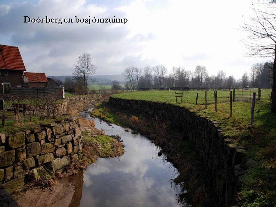 Es ein zilv'rig lintje-n-is de Maas