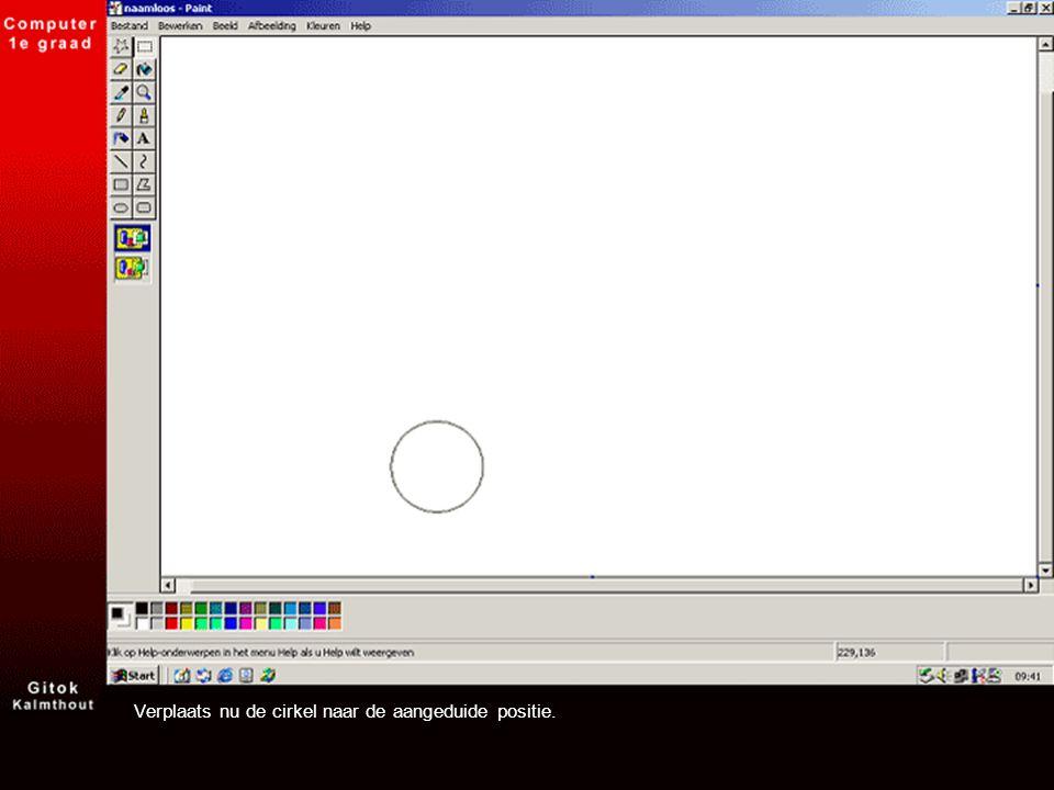 Klik op het menu Bewerken > Plakken en sleep de nieuwe cirkel naar de volgende positie.