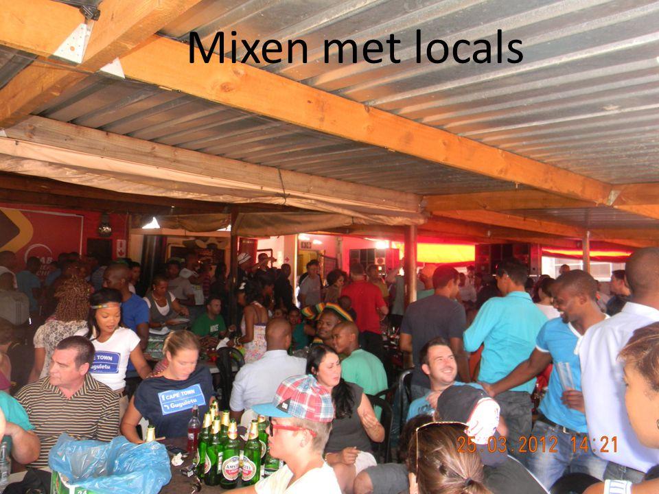 Mixen met locals