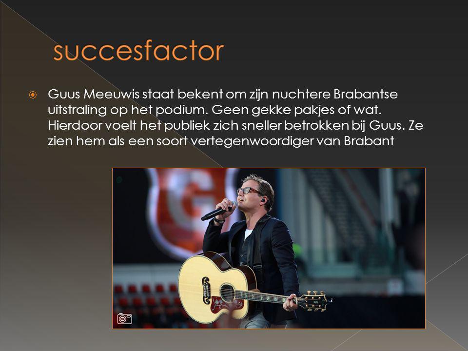  Guus Meeuwis staat bekent om zijn nuchtere Brabantse uitstraling op het podium.