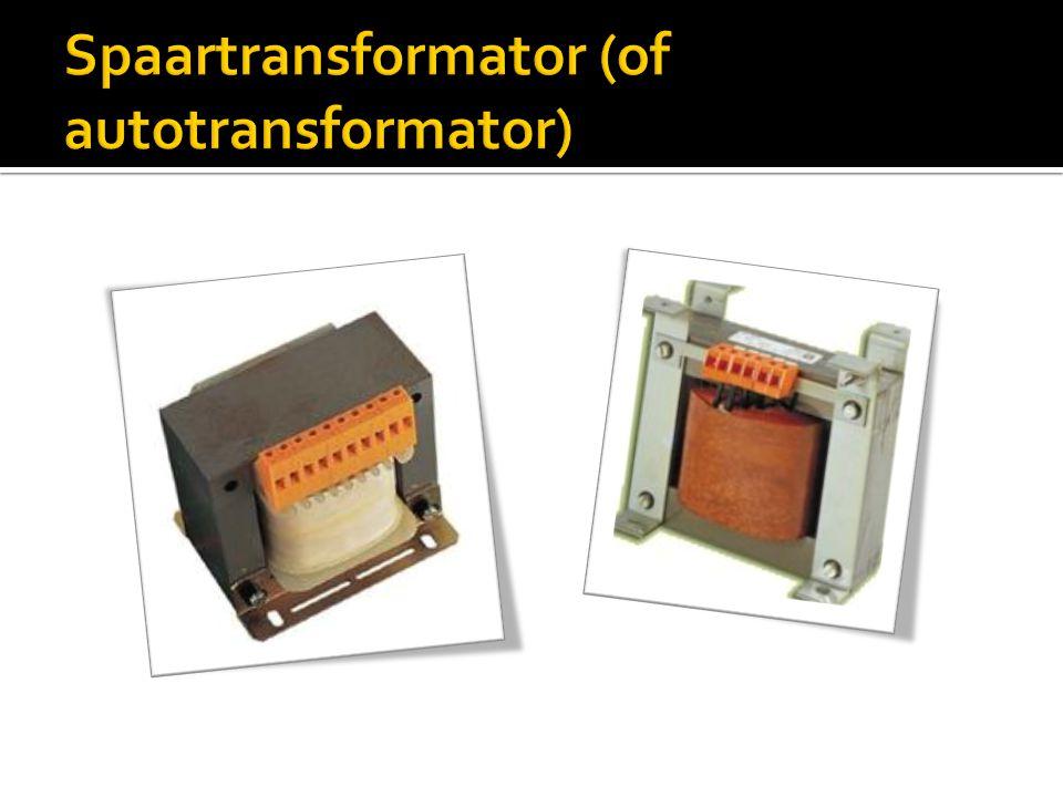  Met een regelbare transformator kan de spanning van de secundaire geregeld worden:
