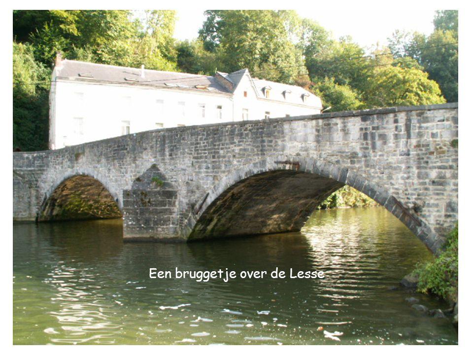 Een bruggetje over de Lesse