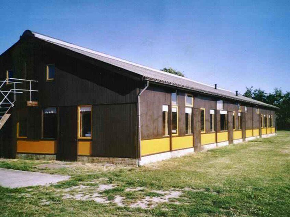 We hebben een kamplocatie gezocht. Dit is het geworden: Van maandag 10.30 uur tot vrijdag 10.30 uur voor 56 personen kost het 2352 euro. Het kamphuis