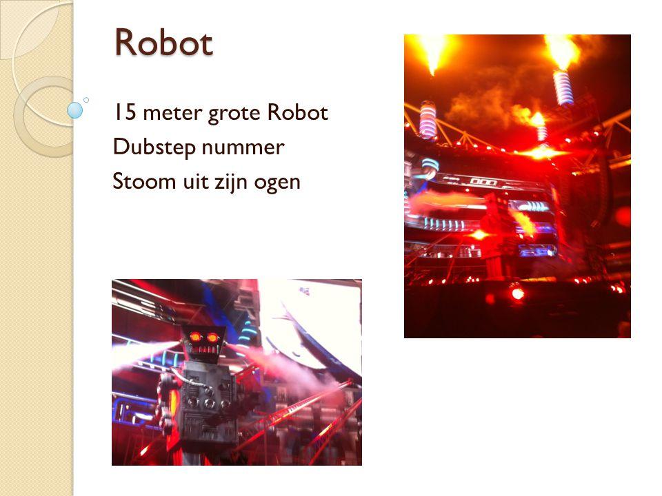 Robot 15 meter grote Robot Dubstep nummer Stoom uit zijn ogen