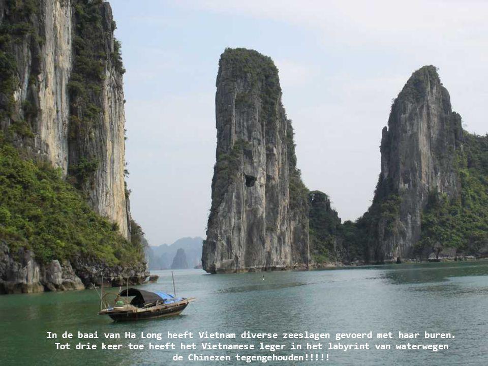 In de baai van Ha Long heeft Vietnam diverse zeeslagen gevoerd met haar buren.