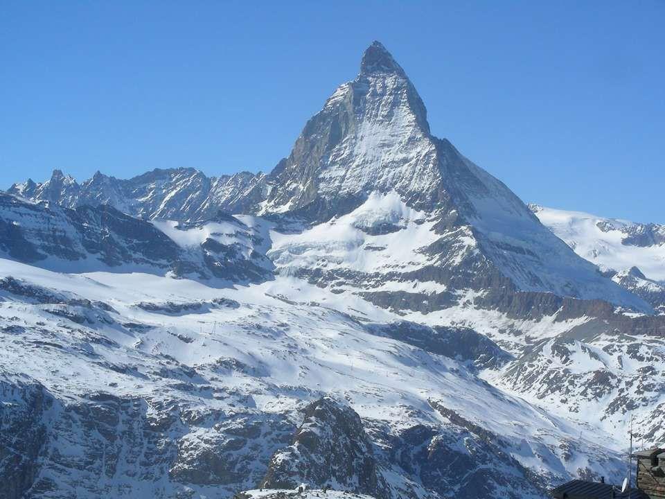 De MATTERHORN (door de Fransen CERVIN genoemd) is 4.478 m hoog.