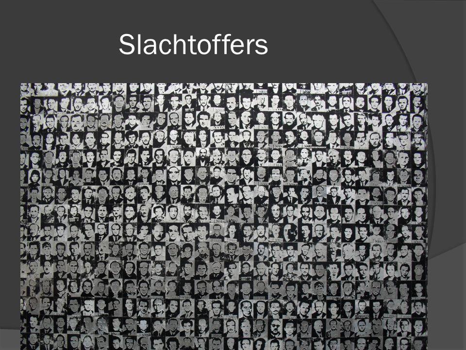  We kregen beelden te zien van mensen die werkkampen overleefd hadden en hun verhaal deden.
