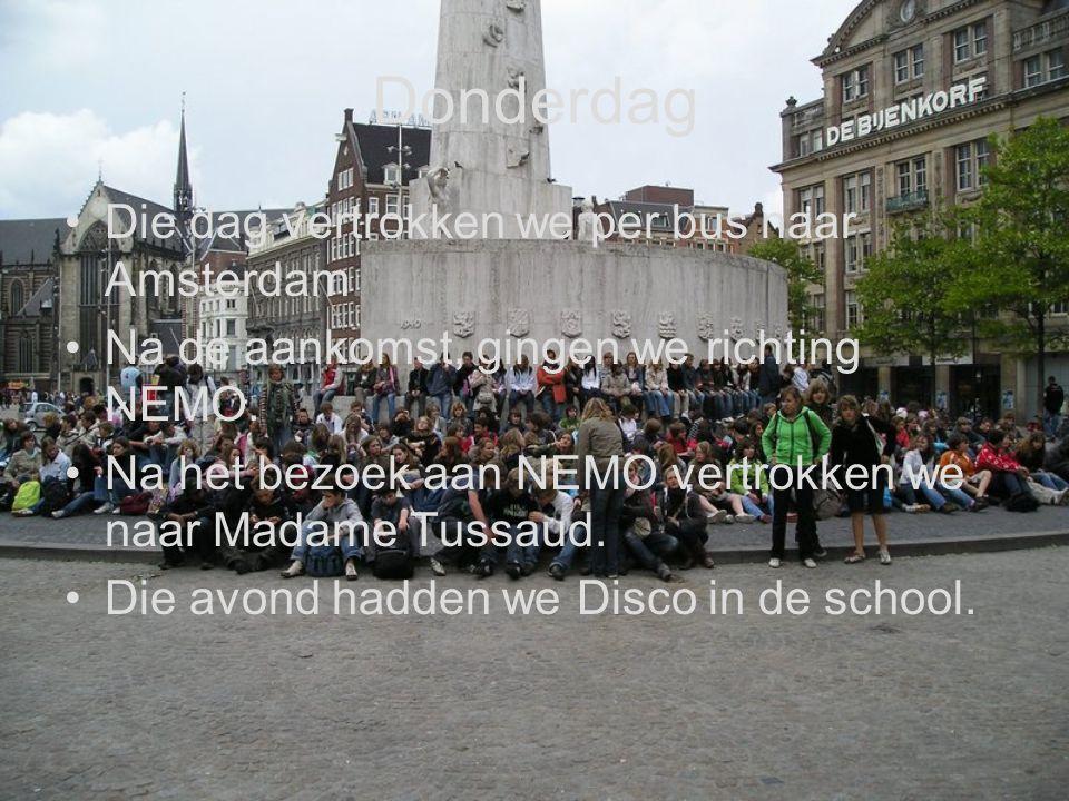 Donderdag Die dag vertrokken we per bus naar Amsterdam. Na de aankomst, gingen we richting NEMO. Na het bezoek aan NEMO vertrokken we naar Madame Tuss