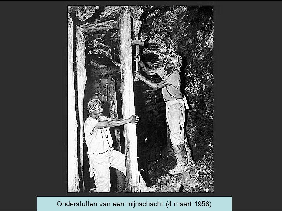 Onderstutten van een mijnschacht (4 maart 1958)