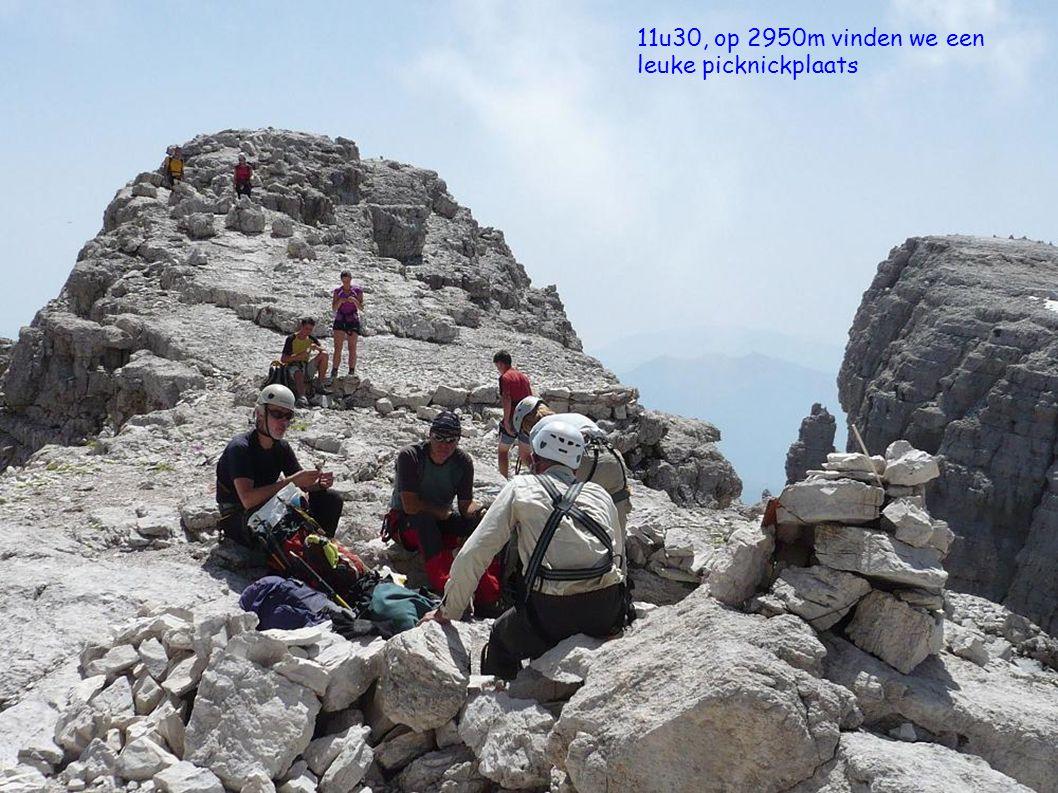 11u30, op 2950m vinden we een leuke picknickplaats