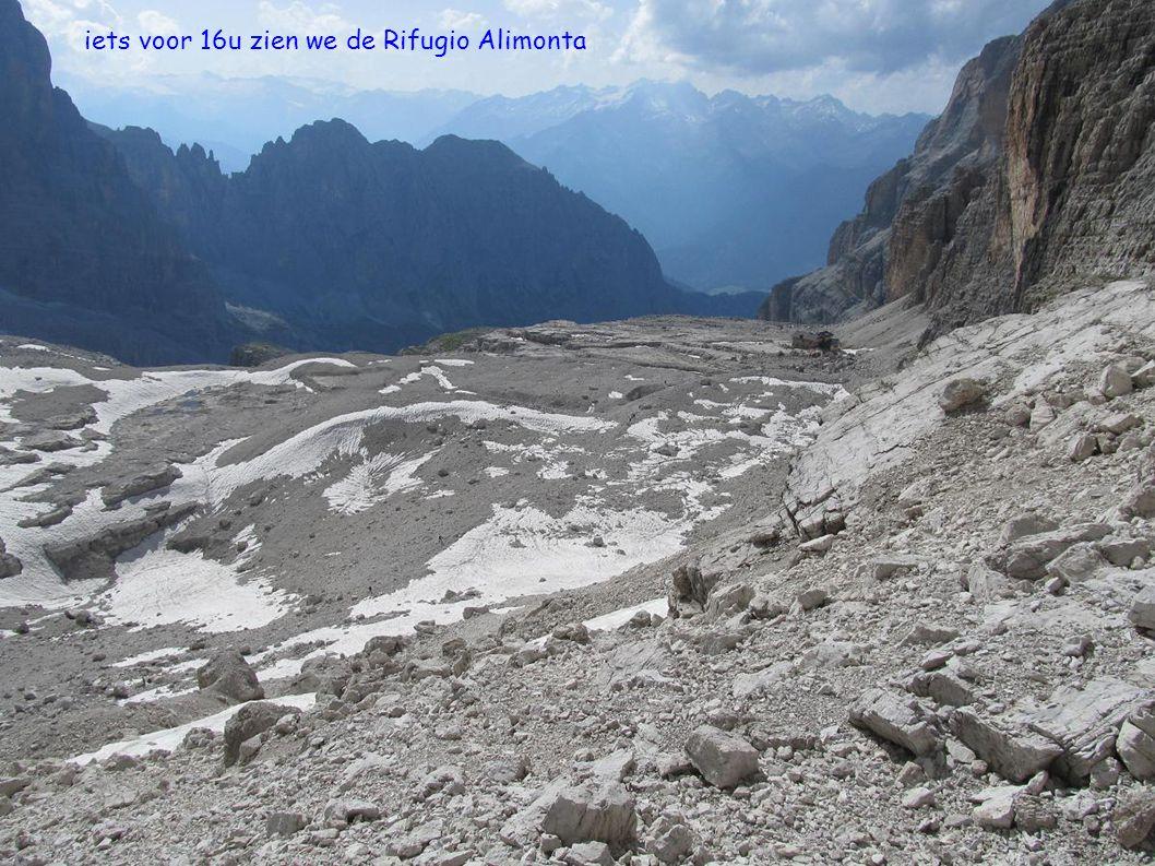 iets voor 16u zien we de Rifugio Alimonta