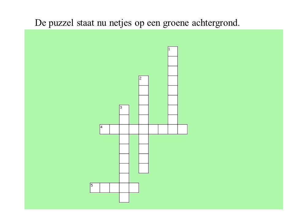De puzzel staat nu netjes op een groene achtergrond.