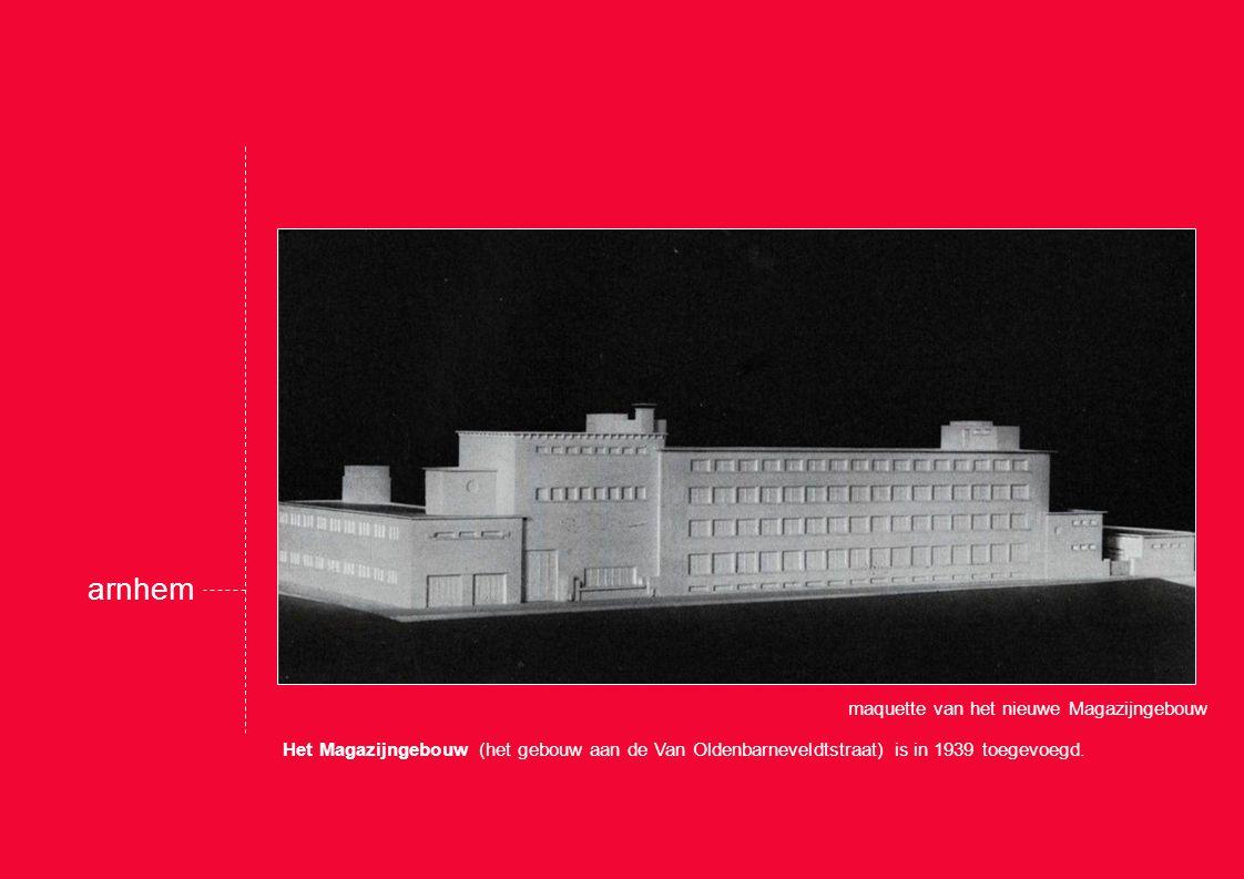 Het Magazijngebouw (het gebouw aan de Van Oldenbarneveldtstraat) is in 1939 toegevoegd.