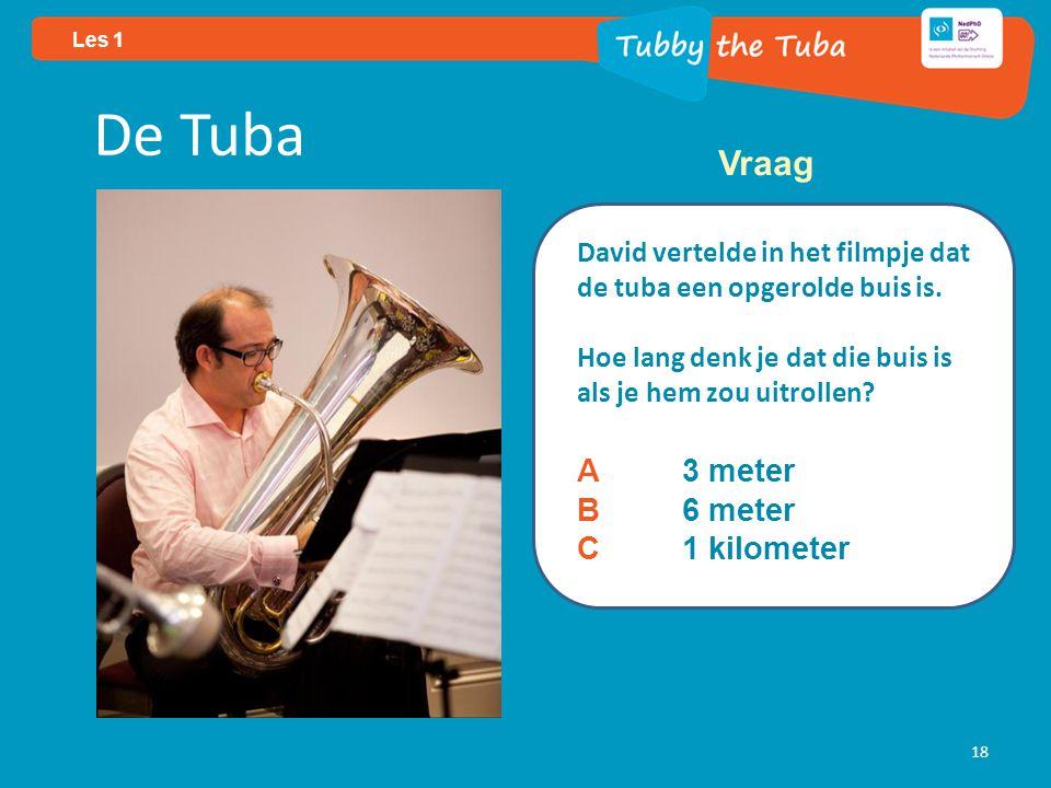 Les 1 18 De Tuba David vertelde in het filmpje dat de tuba een opgerolde buis is.