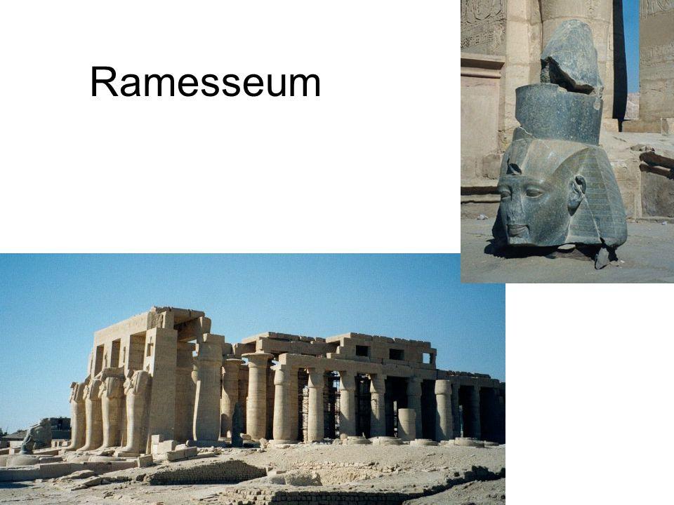 Ramses II ('de grote') was zeer trots.Hij is zoon van Ra, god.