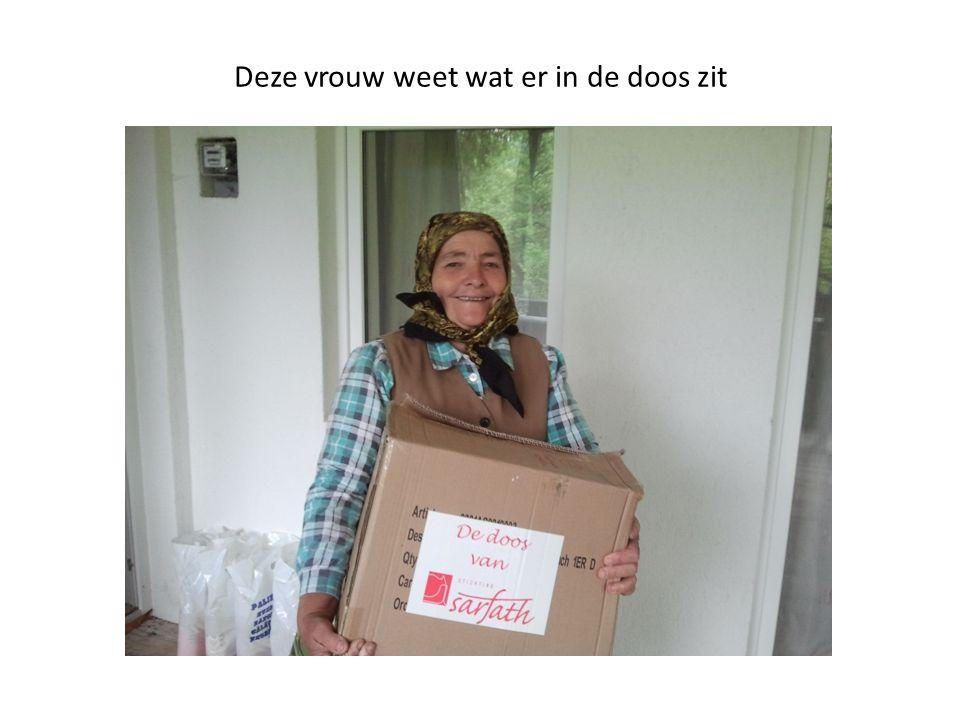 Deze vrouw weet wat er in de doos zit