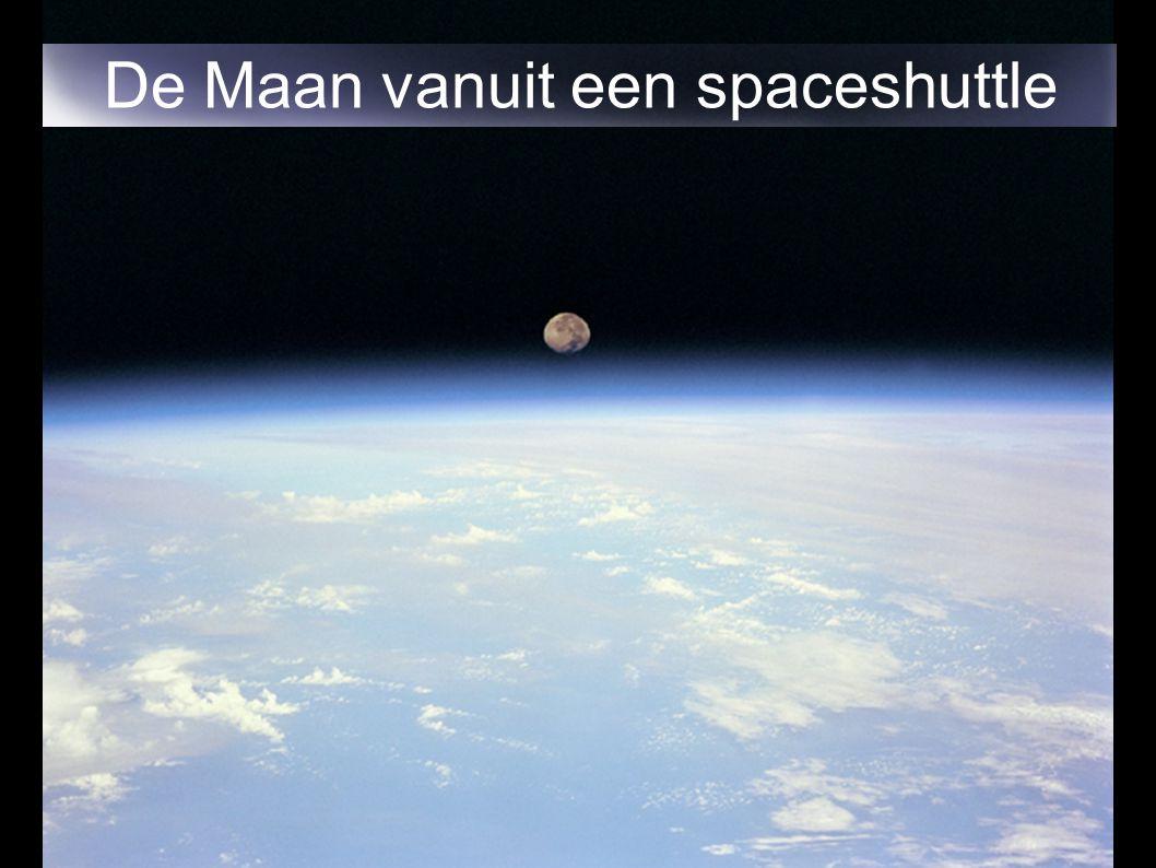 De Maan vanuit een spaceshuttle