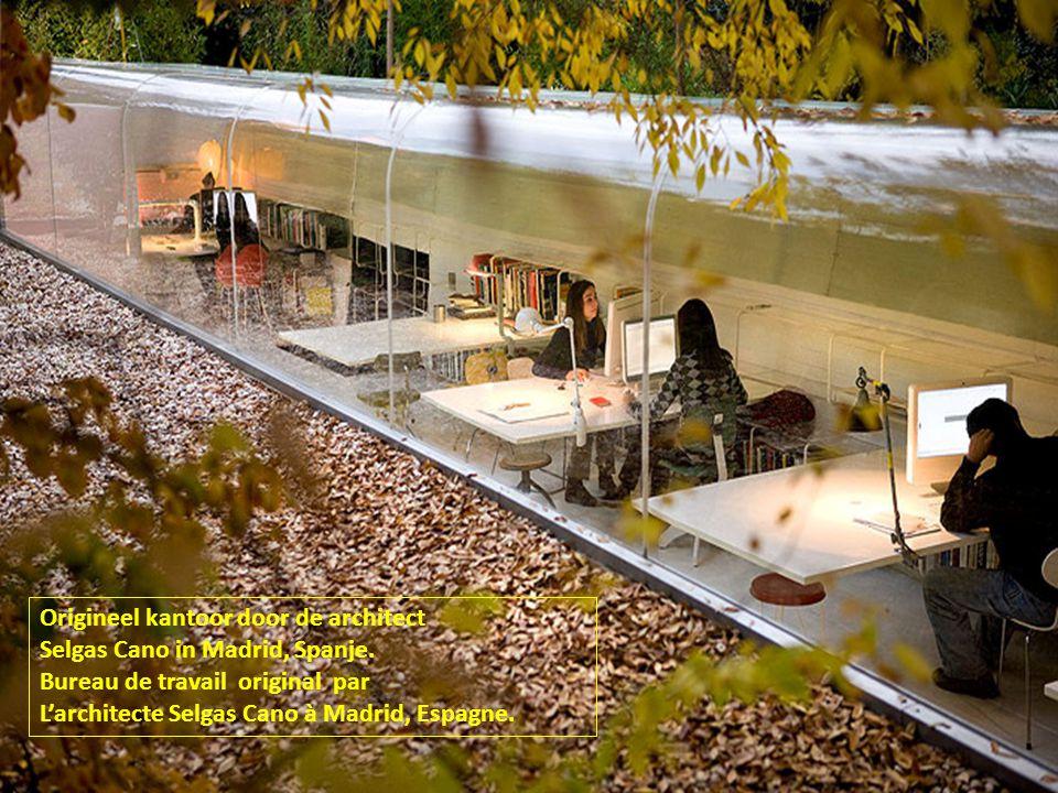 Origineel kantoor door de architect Selgas Cano in Madrid, Spanje.
