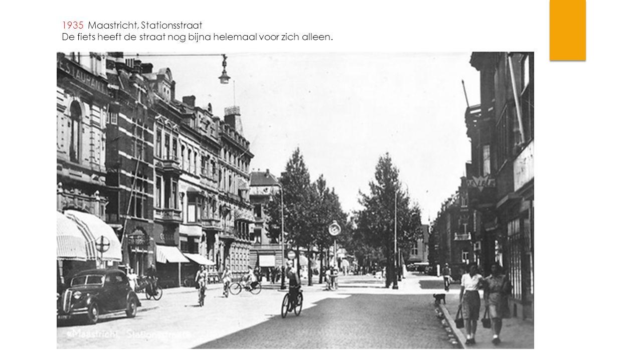 1935 Maastricht, Stationsstraat De fiets heeft de straat nog bijna helemaal voor zich alleen.
