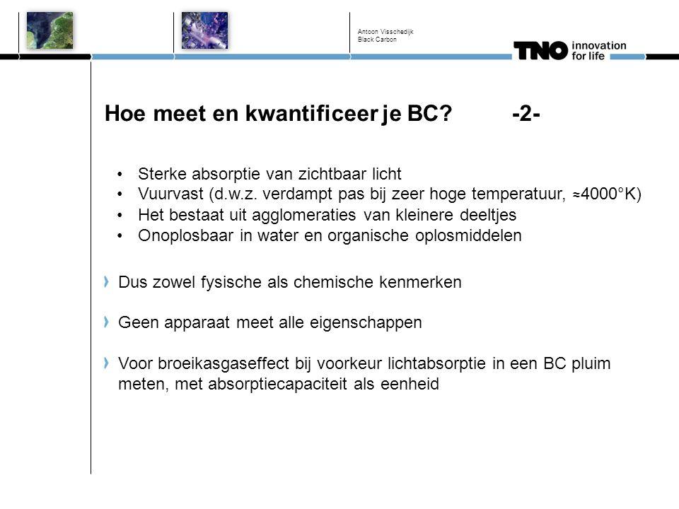 Elementair koolstof (EC) als benadering voor BC Lichtabsorptie meten brengt drie moeilijkheden met zich mee: Absorptiecapaciteit is door aangroei tijdens het pluim verouderingsproces sterk tijdsafhankelijk In principe levert de meting geen 'mass-based metric' op Aangezien er in-situ in een pluim gemeten moet worden zijn deze metingen wat duurder en schaarser Alternatief is meten van elementair koolstof (EC) in strikt chemische zin (los van de BC eigenschappen) EC gehalte meten in PM 10 en PM 2.5 is relatief eenvoudig en goedkoop met thermisch-optische methoden Vaak behoorlijk goede correlatie tussen BC en EC maar dit is niet per definitie zo Antoon Visschedijk Black Carbon