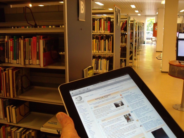Boeken verdwijnen niet. Ze worden alleen digitaal.