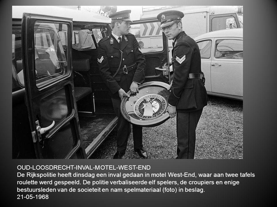 OUD-LOOSDRECHT-INVAL-MOTEL-WEST-END De Rijkspolitie heeft dinsdag een inval gedaan in motel West-End, waar aan twee tafels roulette werd gespeeld. De