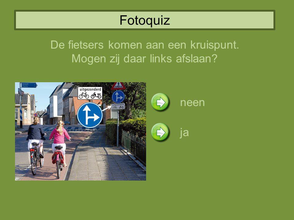 Fotoquiz De fietsers komen aan een kruispunt. Mogen zij daar links afslaan? neen ja