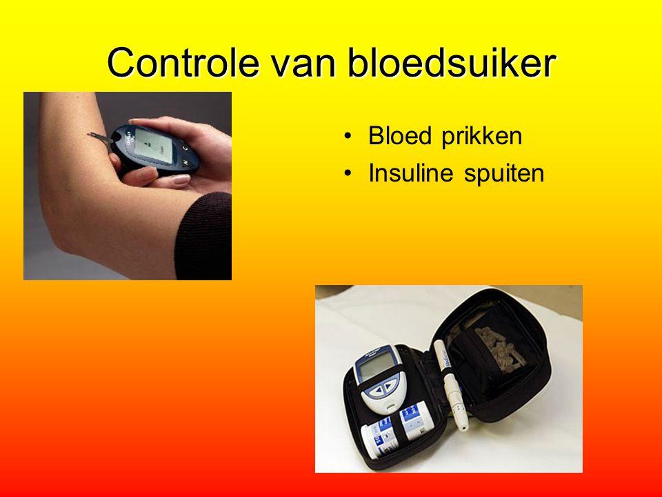 Controle van bloedsuiker Bloed prikken Insuline spuiten
