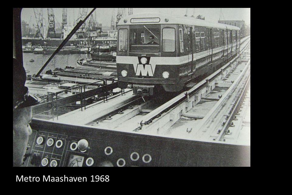 Marktdag aan de Maashaven in 1964