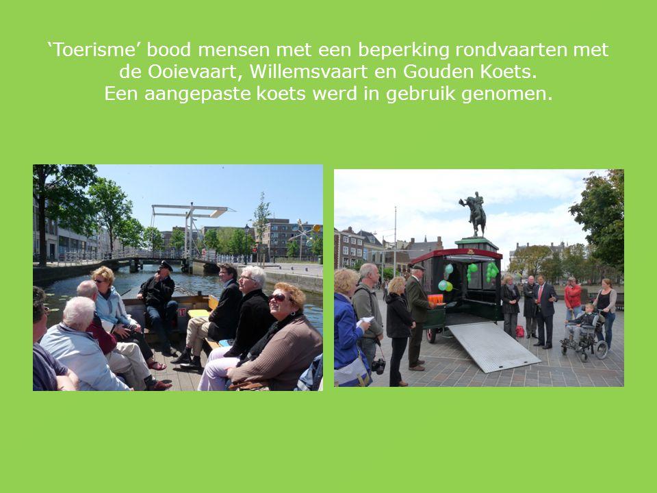 'Toerisme' bood mensen met een beperking rondvaarten met de Ooievaart, Willemsvaart en Gouden Koets.