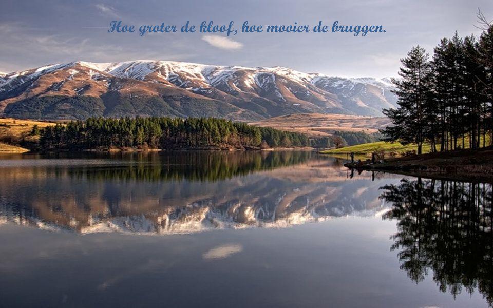 De schoonste moed is de moed gelukkig te durven zijn.