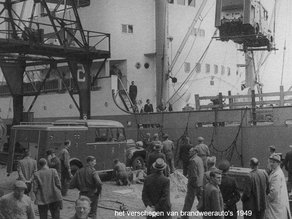 het verschepen van brandweerauto s 1949