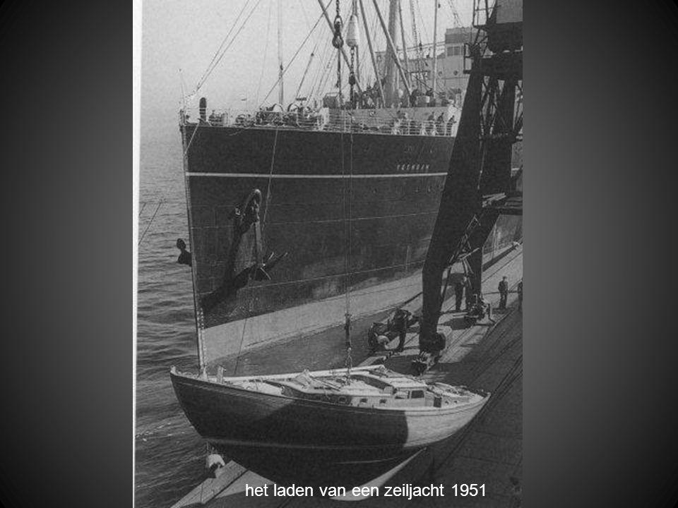 het laden van een zeiljacht 1951