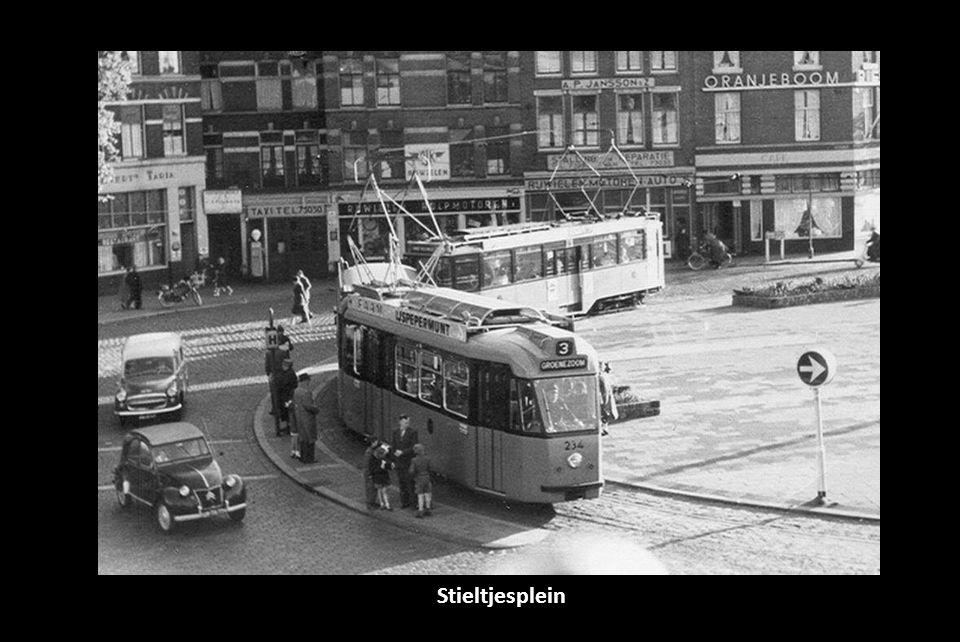 ss Nieuw Amsterdam bij HAL gebouw