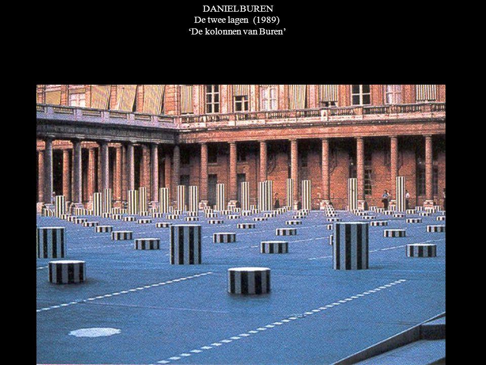 DANIEL BUREN De twee lagen (1989) 'De kolonnen van Buren'