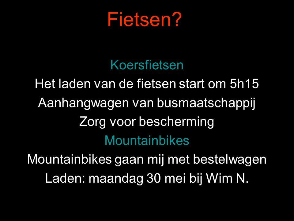 In totaal zijn we met 46 personen 32 wegrenners 8 mountainbikers 6 meereizende echtgenotes.