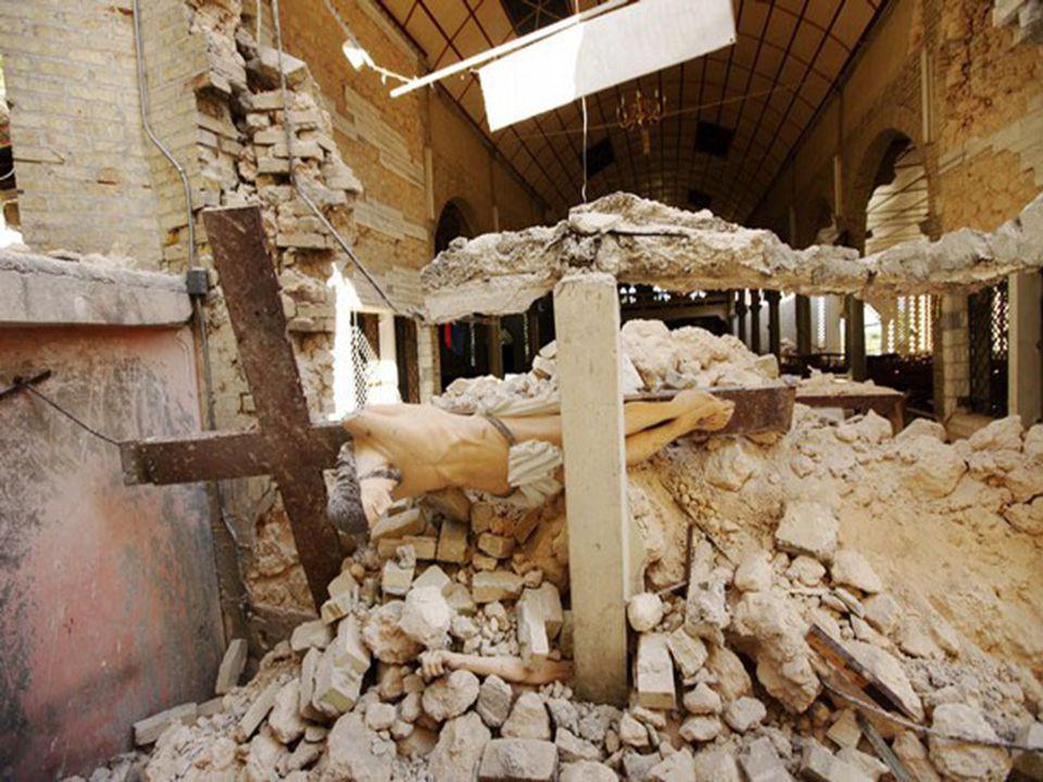 12 januari 2010 Een aardbeving verwoest het hele schoolgebouw. Leerkrachten, ouders, Paters Redemptoristen ruimen het puin in de hoop overlevenden te