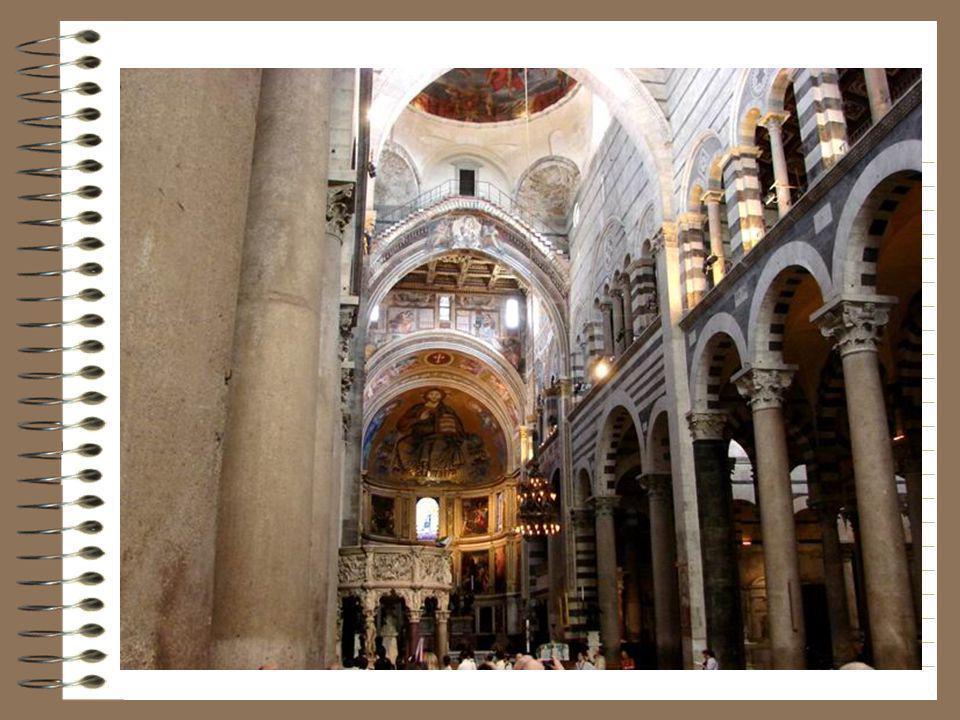 Interieur van de kathedraal.