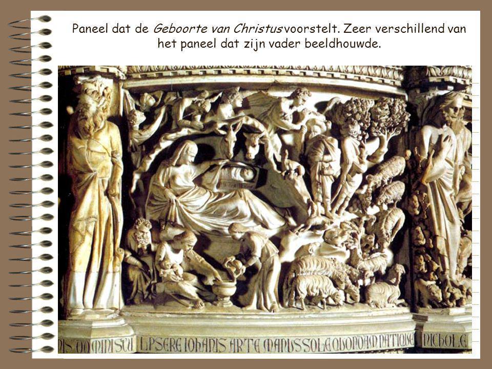 De zoon van Pisano, Giovanni Pisano, beeldhouwde de preekstoel van de kathedraal, een imitatie van die in de doopkapel. De veelhoekige preekstoelen va