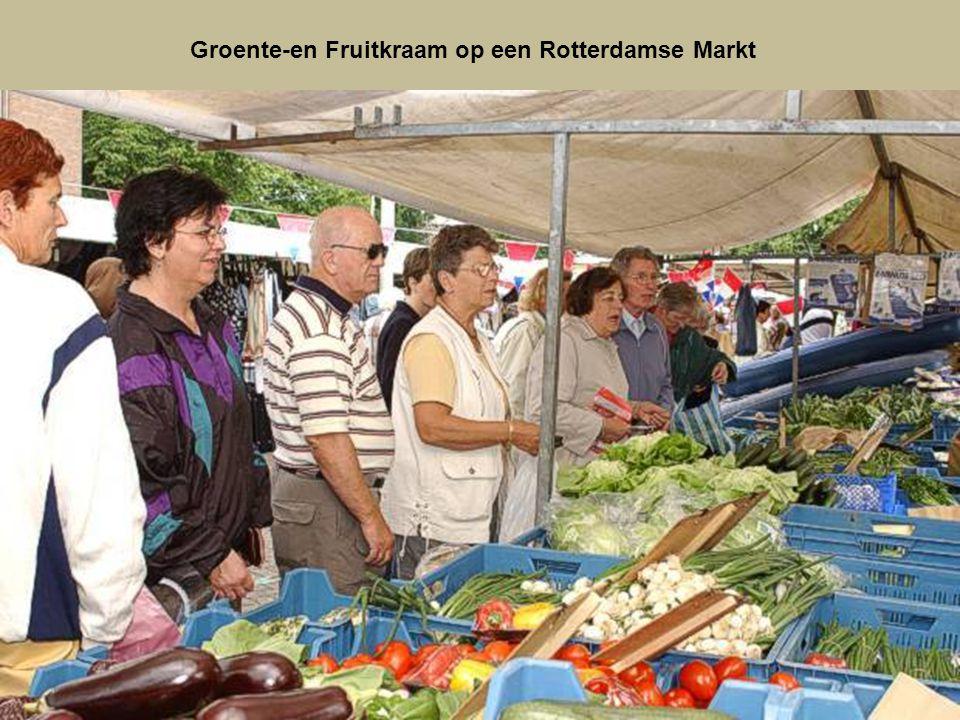 De Nieuwe Maas verdeeld Rotterdam