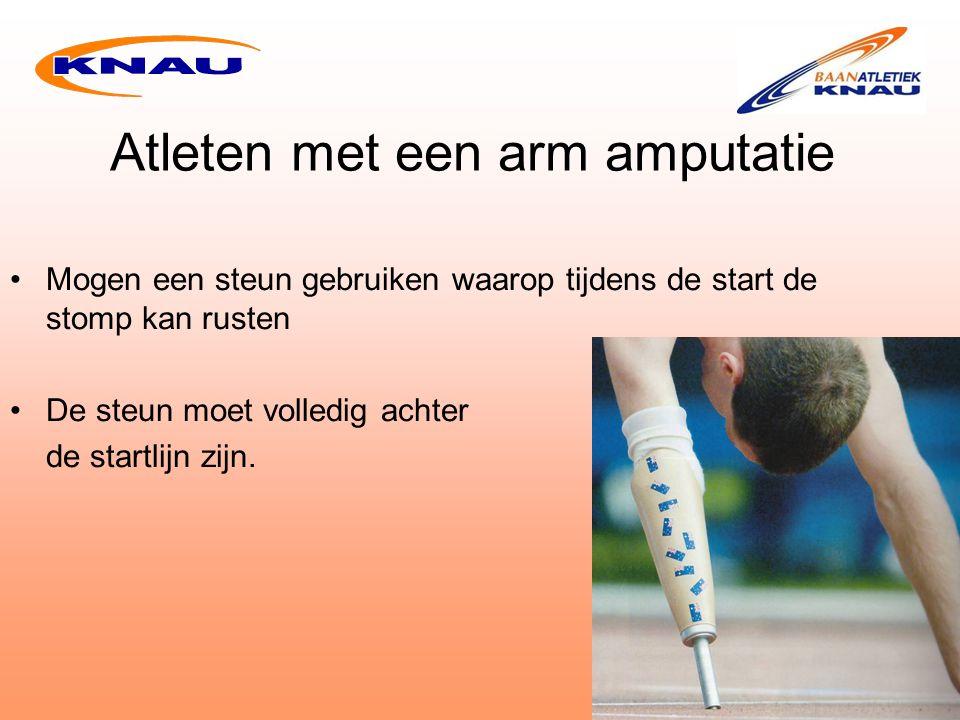 Atleten met een arm amputatie Mogen een steun gebruiken waarop tijdens de start de stomp kan rusten De steun moet volledig achter de startlijn zijn.