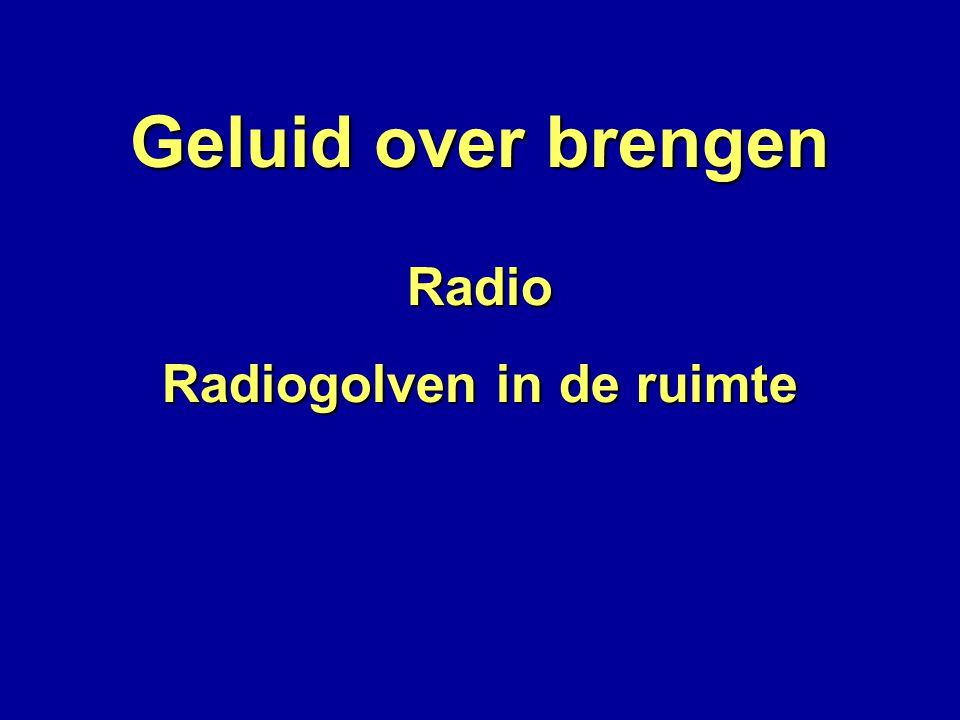 Geluid over brengen Radio Radiogolven in de ruimte Antenne